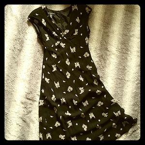 VTG 90s Joneswear Black Floral Rayon Dress